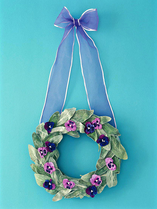 Wreath with small flowers
