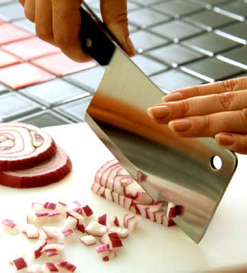 chopping red onions