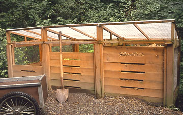 Triple chamber wood compost bin with roof