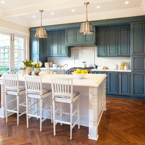 Painting kitchen cabinets better homes gardens for Better homes and gardens painting kitchen cabinets