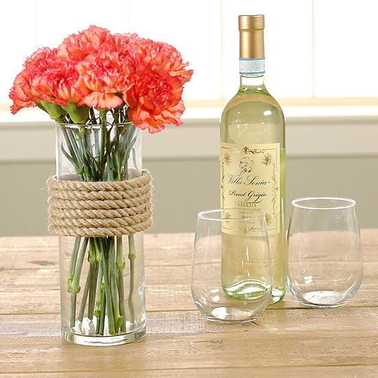 Pretty DIY Flower Vase: Use Rope!
