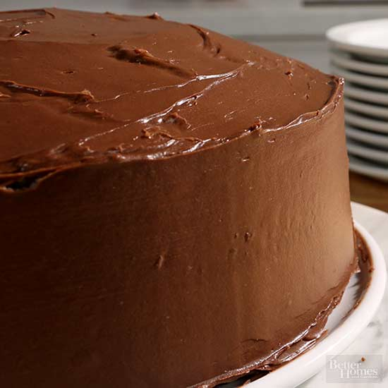 Give Your Cake the Ultimate Smooth Edge without Fondant