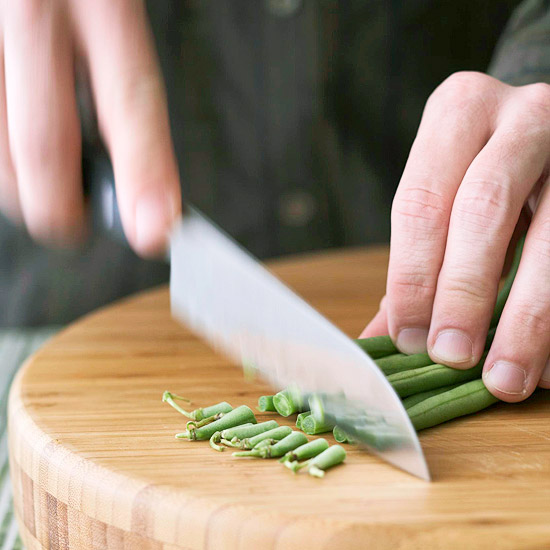 Trimming green beans