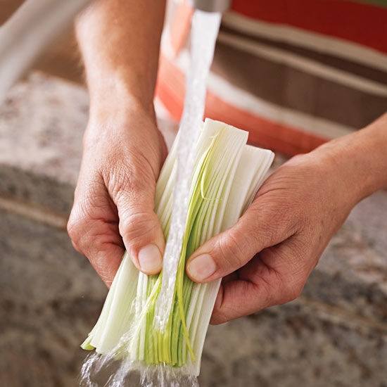 washing leeks