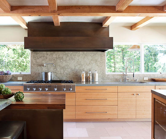 Wood beams on ceiling