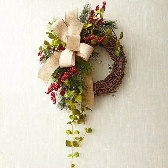 Sideswept Sophistication Wreath Step 4