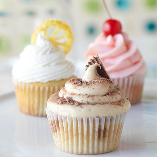 Cupcakes, recipes for cupcakes, cupcake recipes, how to make cupcakes from a cake recipe