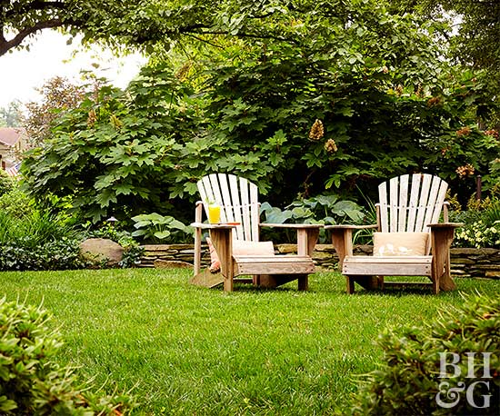 yard with two chairs