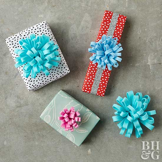 wrapped gifts with diy felt bows