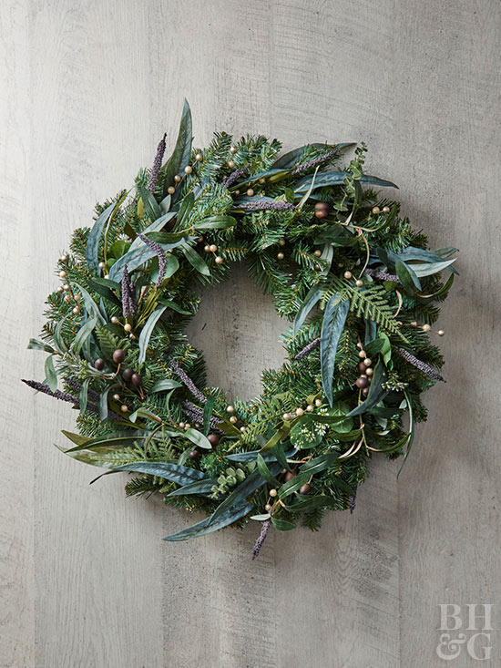 Lighted wreath with leaf accents