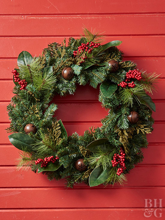 Berry accent wreath on red background