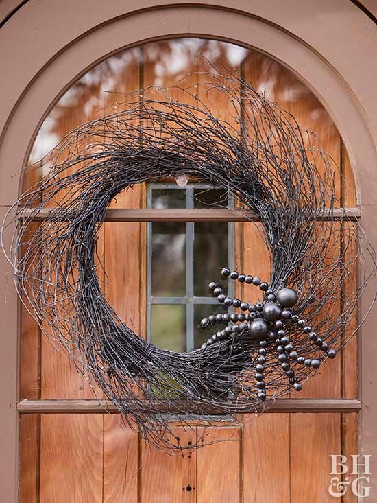 halloween wreath with spider