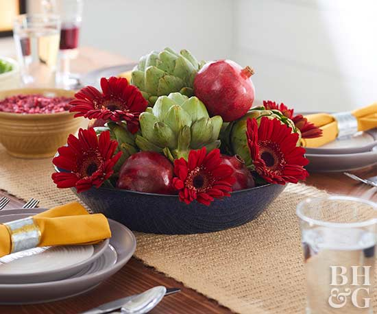 thanksgiving centerpiece and table setting