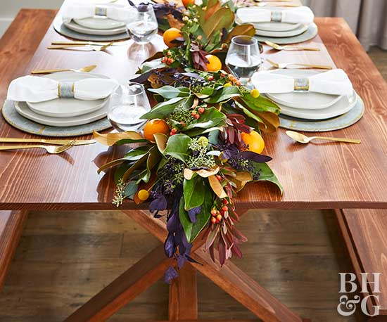 thanksgiving table with fall centerpiece