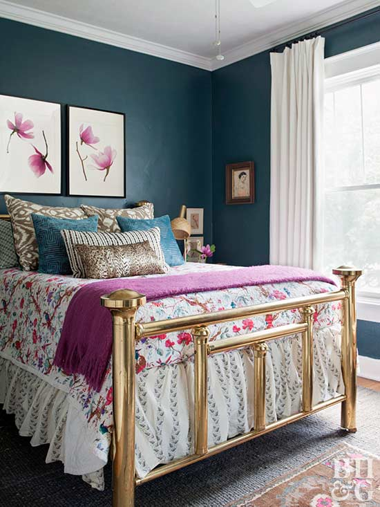 Vintage Teal And Pink Bedroom