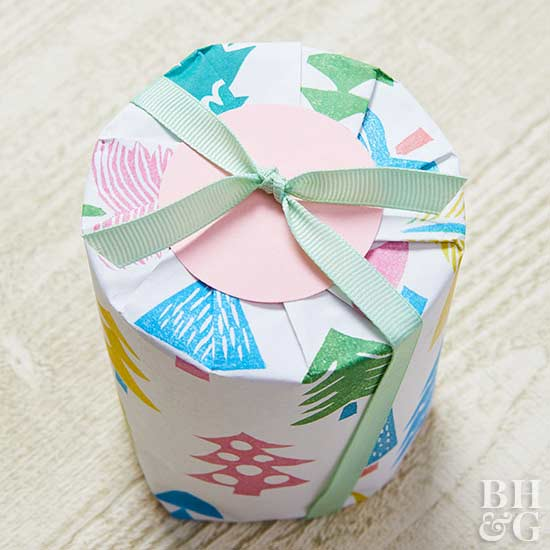 wrapping gift, tree paper, ribbon