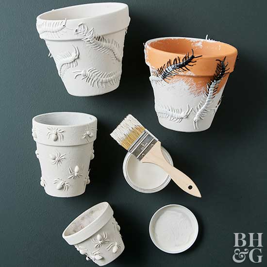 DIY white planters, DIY, painting, Halloween decor, planters