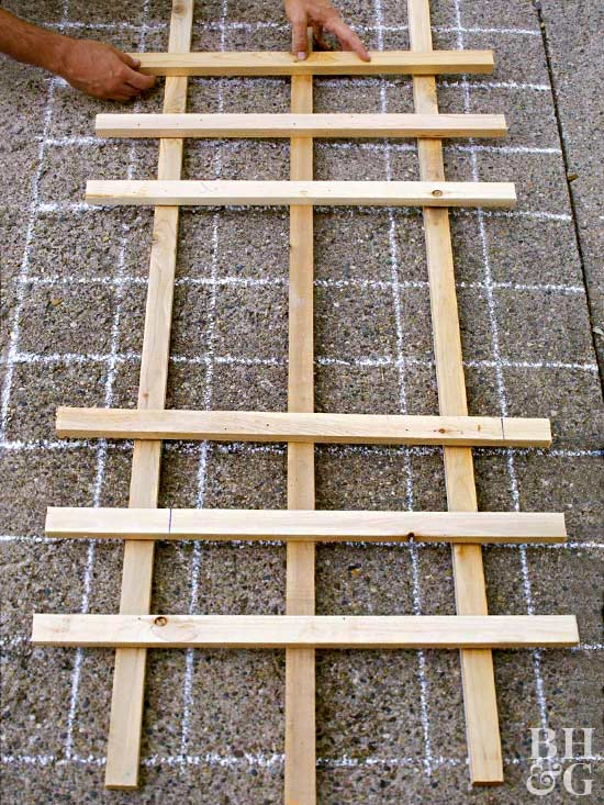 laying lattice strips for trellis