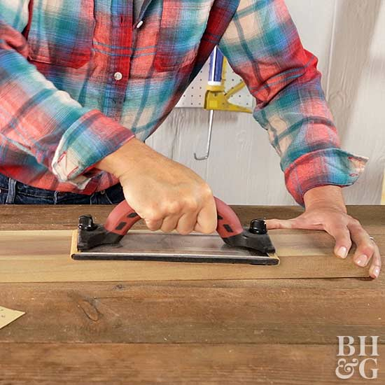 How to Use a Manual Sander