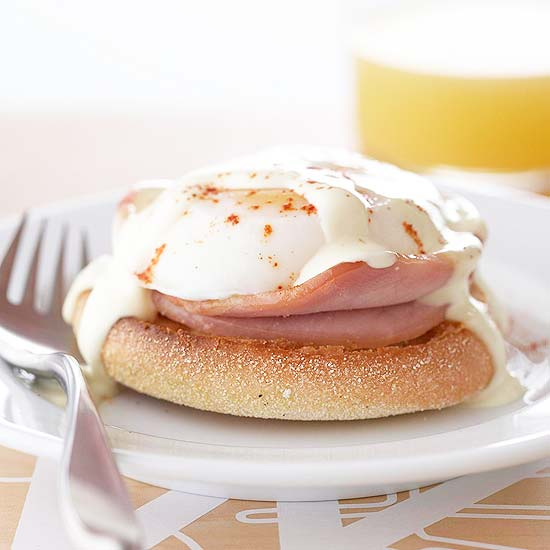 canadian bacon eggs benedict