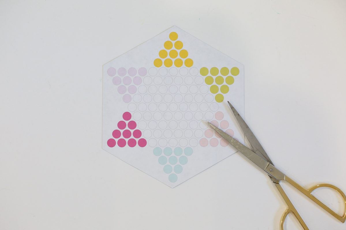 Travel Chinese Checkers game with scissors